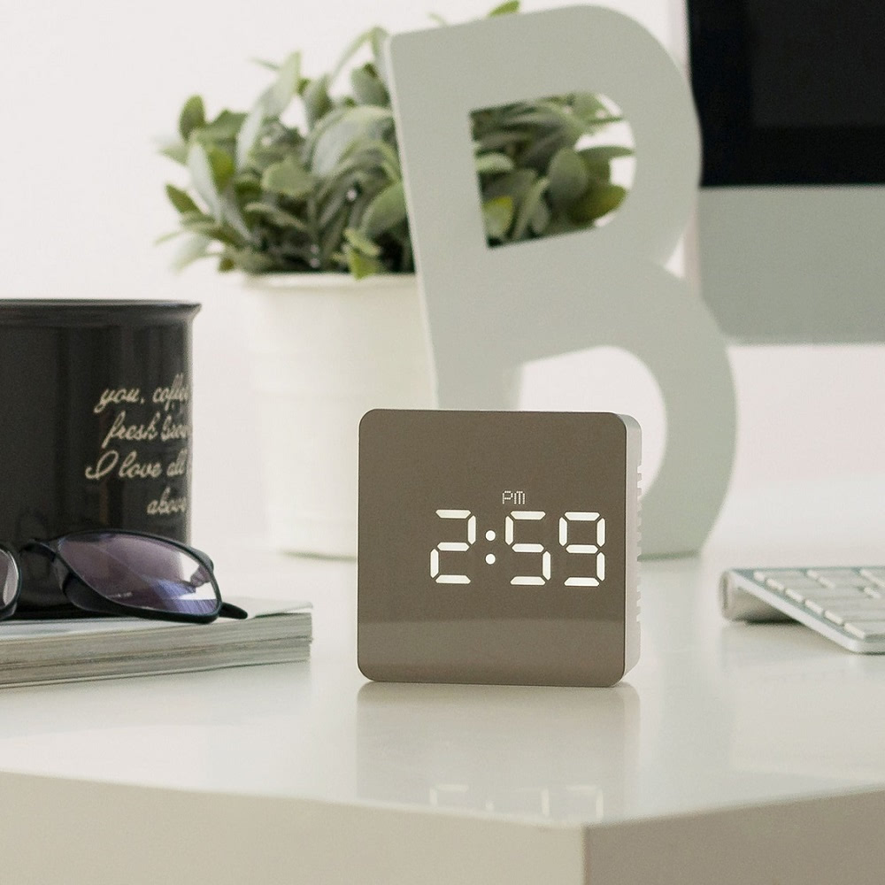 KLPK14029 플라이토 거울 LED 탁상시계 사무실 벽시계 OEM 판촉물 홍보 시계제작 기념품